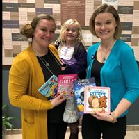 Elle Project Gives Books to Pediatric Patients